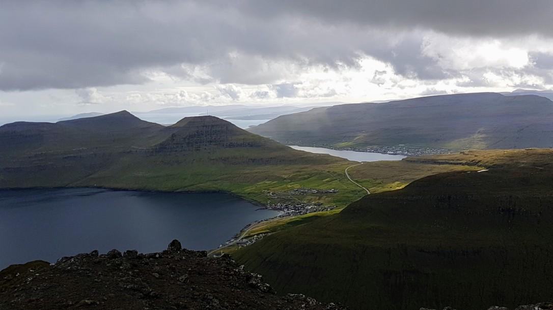 57.1_Syðrugøta og Skálafjørðurin aftanfyri