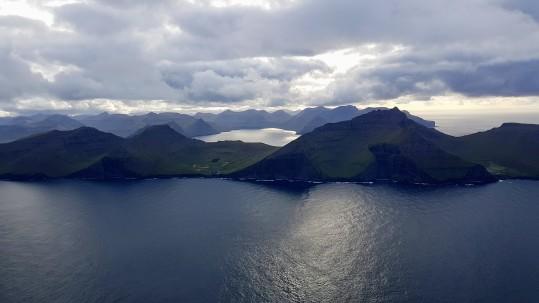 Útsýnið frá Kunoyarnakka - Mikladalur og Trøllanes á Kalsoynni